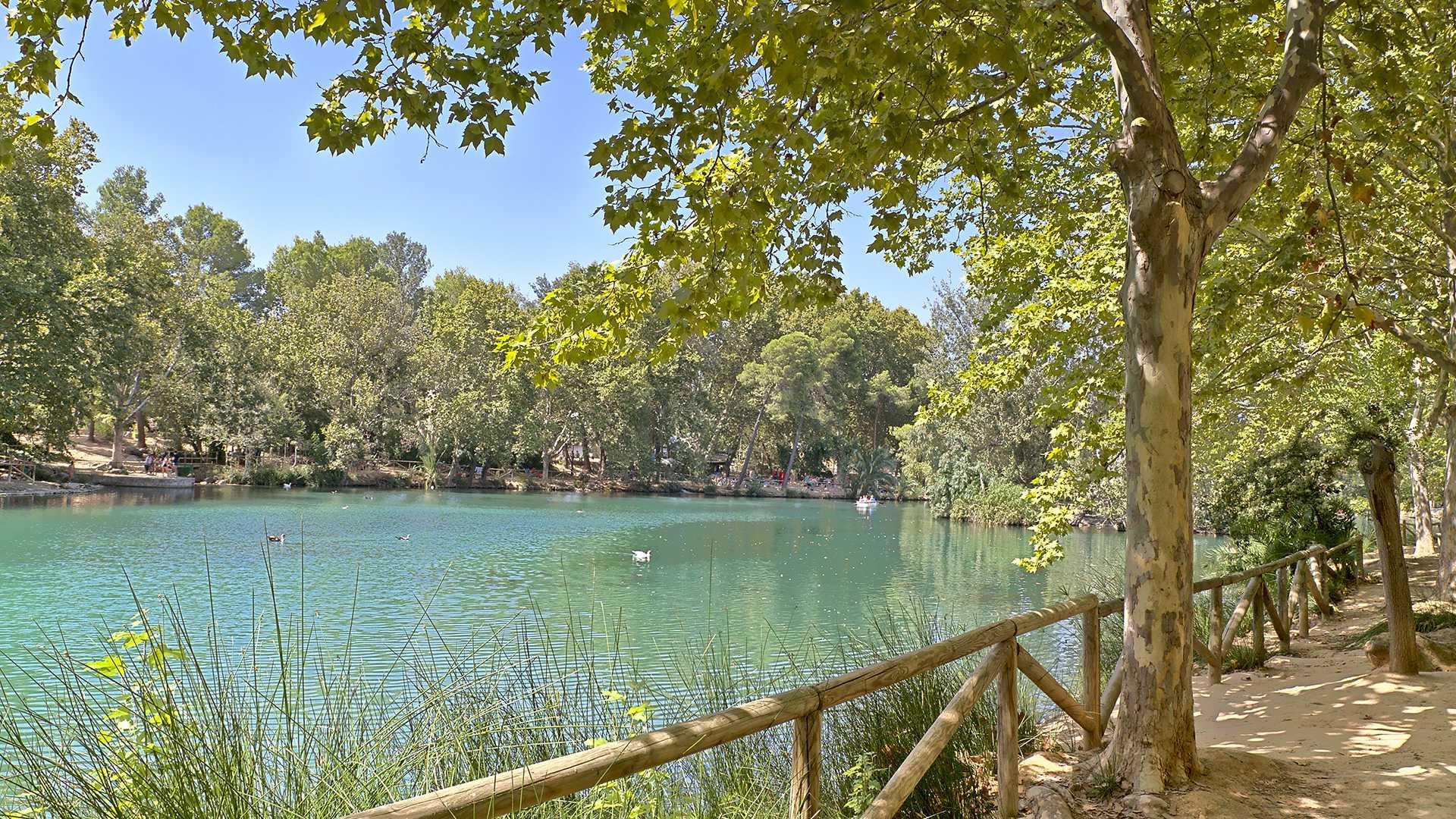 El lago de Anna: naturaleza, leyendas e historia