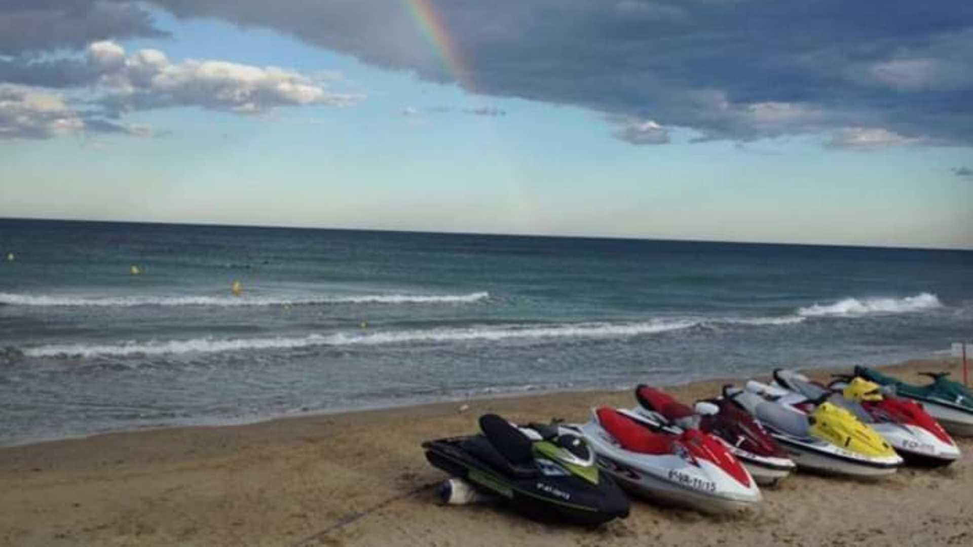 alquiler de motos de agua en oropesa del mar