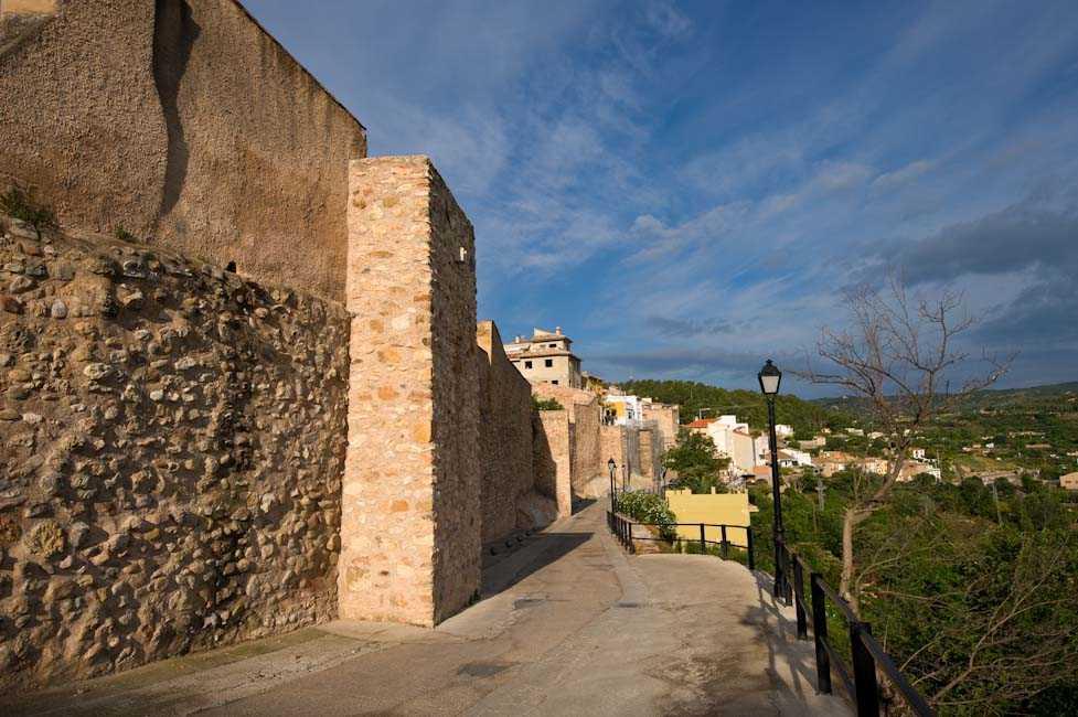 Castillo y murallas medievales