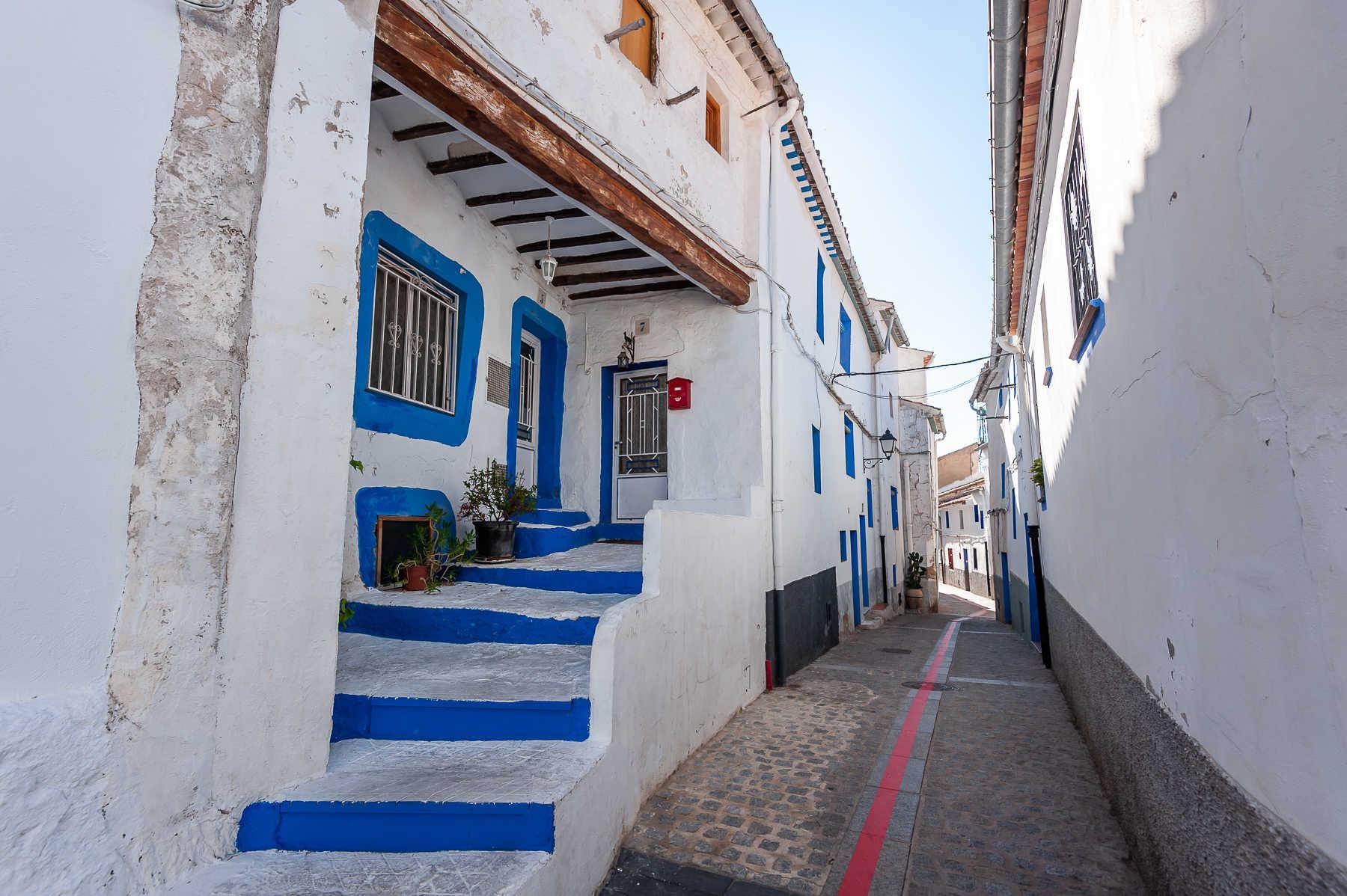 https://multimedia.comunitatvalenciana.com/1D776D1F93944B3CAAA6035FB929B8A8/img/85059F95A25241E88658EC2816A606AE/2030-Ayora-Barrio_los_Altos-0410.jpg?responsive