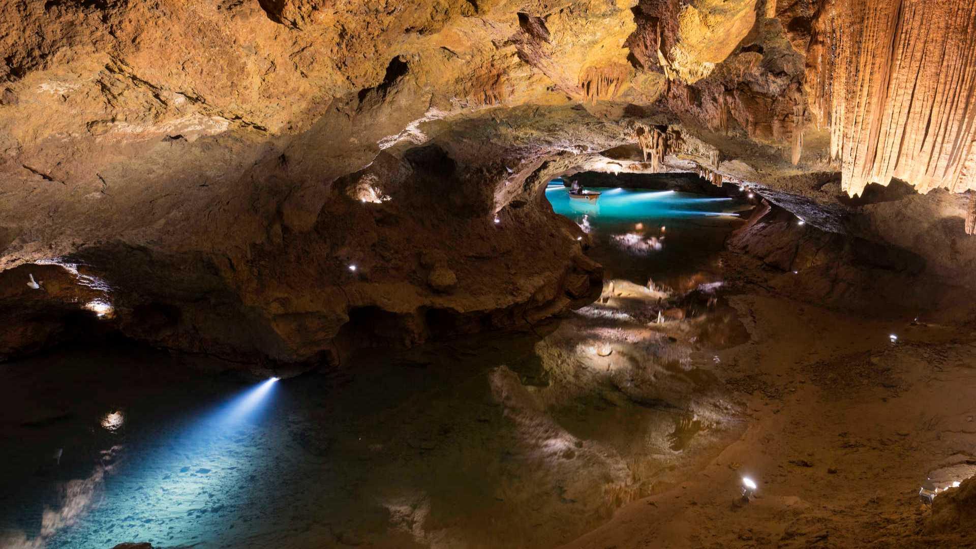 prehistoric caves region of valencia,