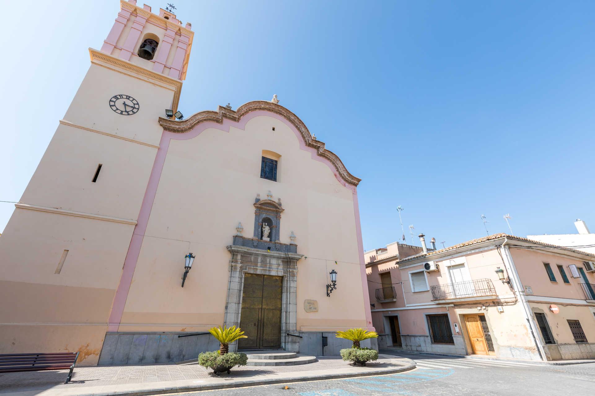 https://multimedia.comunitatvalenciana.com/368F6D17320347F4B15D7C7F7E4BCAF9/img/C1C7FB3C505F47C6ACC438E33827BEDC/Iglesia_San_Pedro_7H9A0634.jpg?responsive