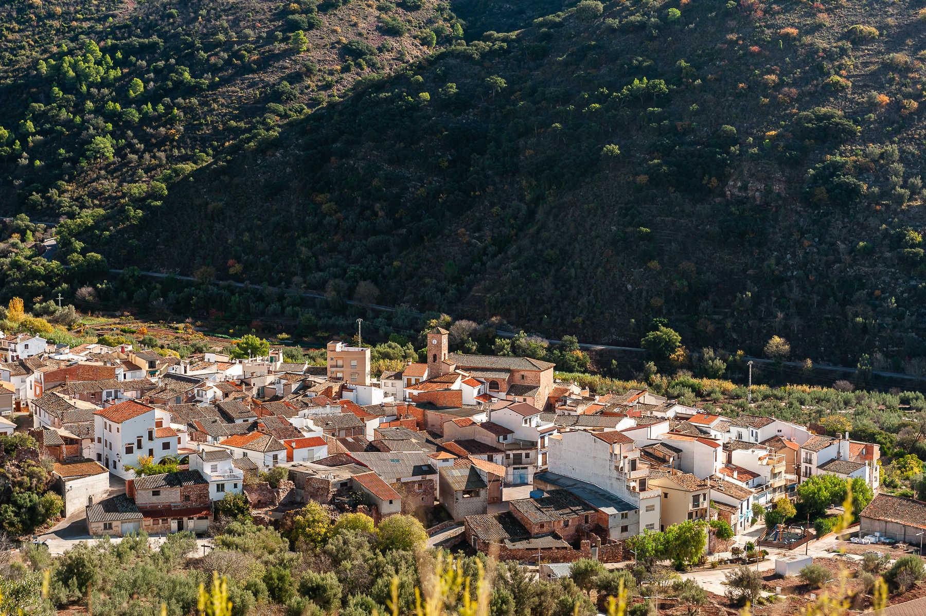 https://multimedia.comunitatvalenciana.com/52C505CC525544D59D0EEB2CB246FFCB/img/C9399F9E84114C93A99E6643F0EB1D97/2027-Almedijar-Pueblo-0080.jpg?responsive