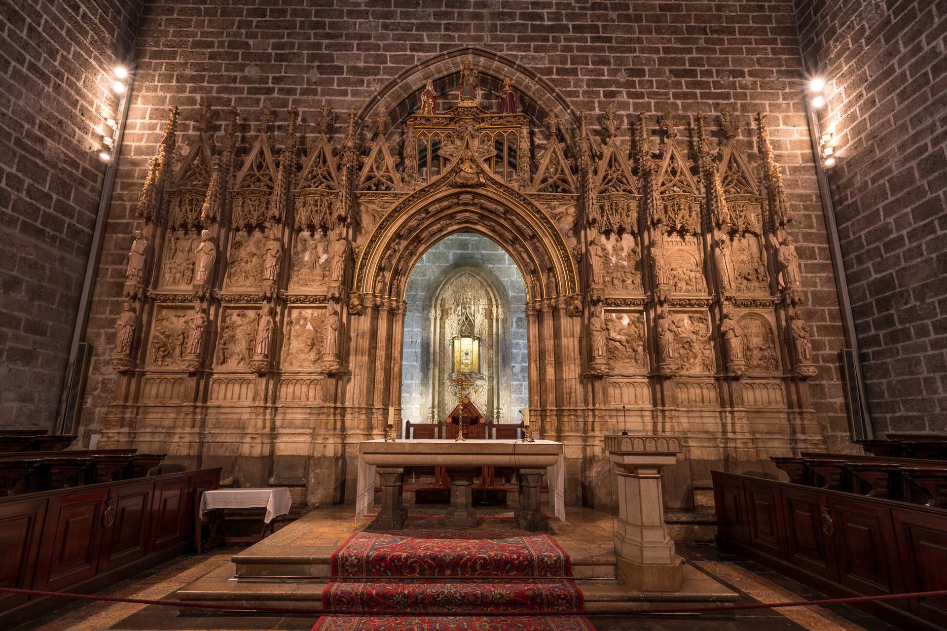 https://multimedia.comunitatvalenciana.com/69078293CFC84CE3B7B3D37B130EEA72/img/719C9FE828E24C13BB3CC5B1C168CFEC/Catedral_Valencia_7H9A0558.jpg?responsive
