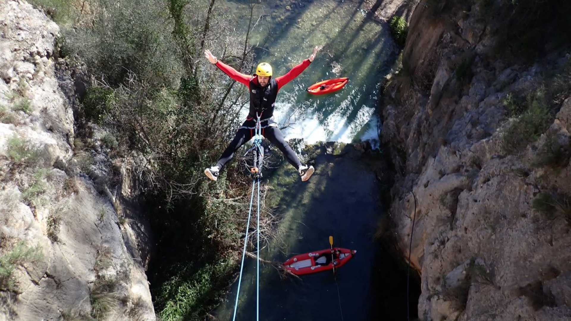 Bungee jumping in Calles