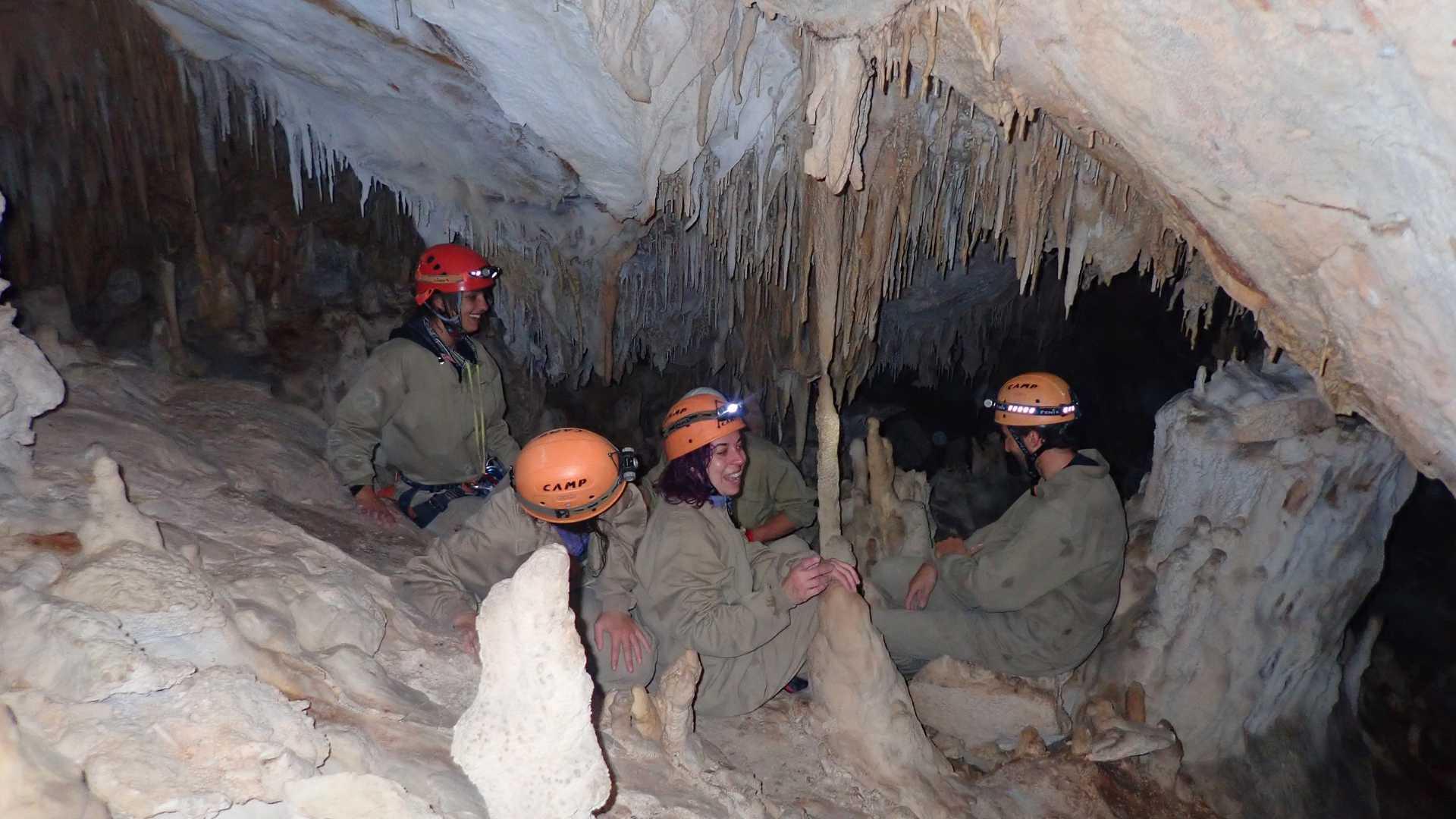 Espeleología Cueva de los Pericos