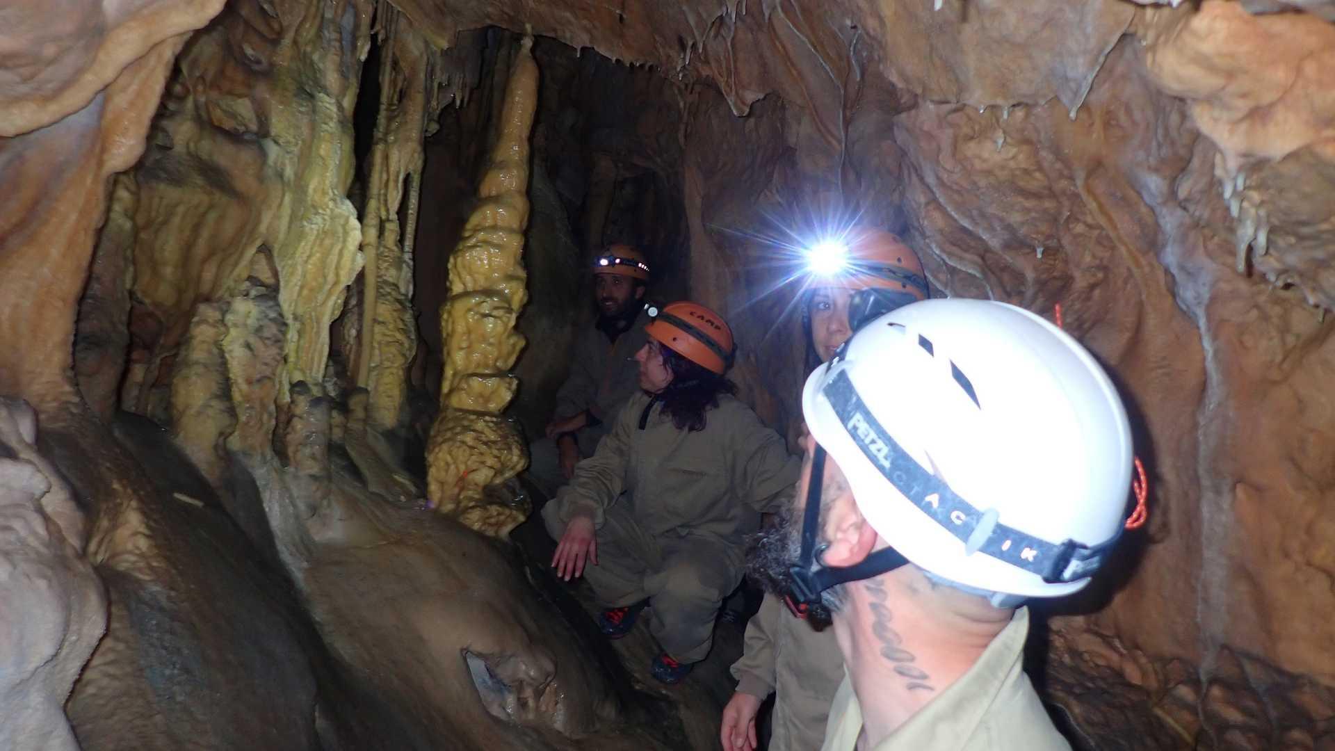 Espeleologia Cova dels Pericos