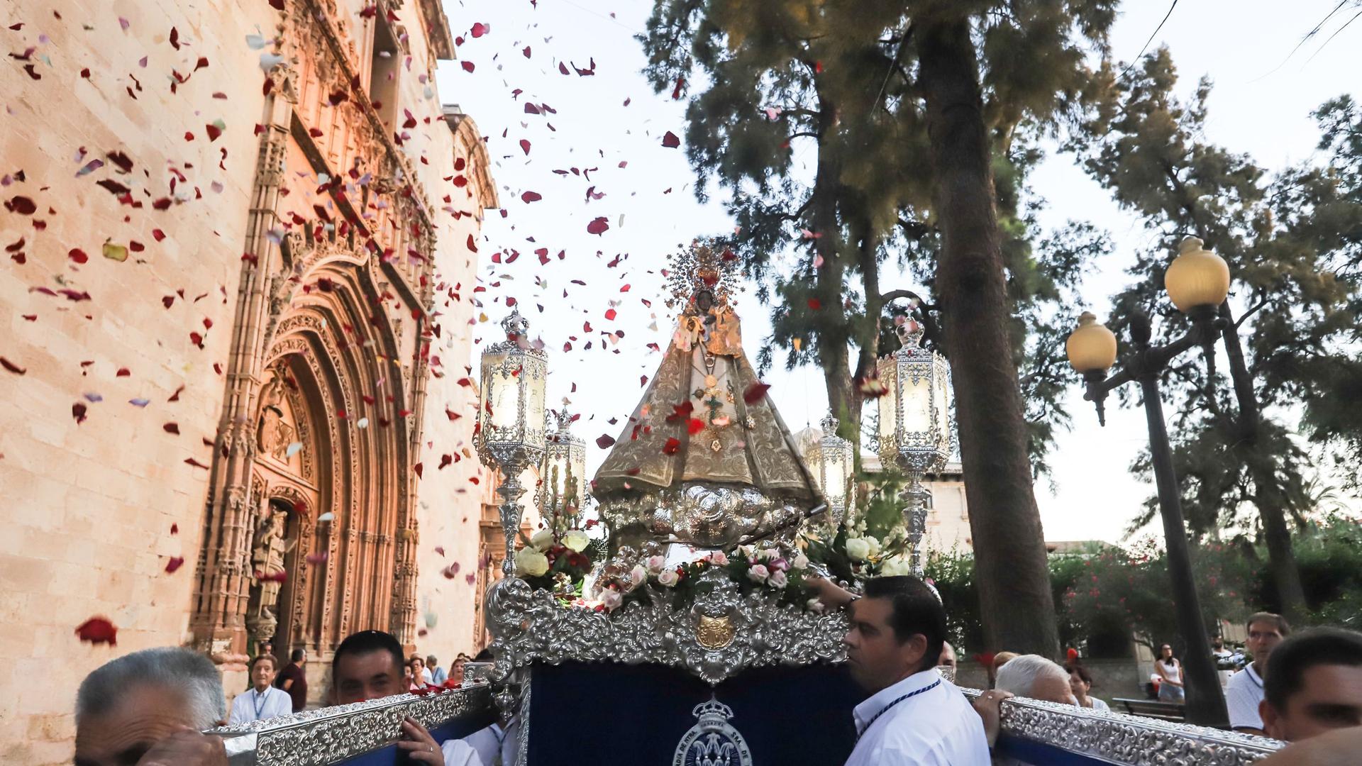 Feste Zu Ehren Unserer Jungfrau Von Monserrate