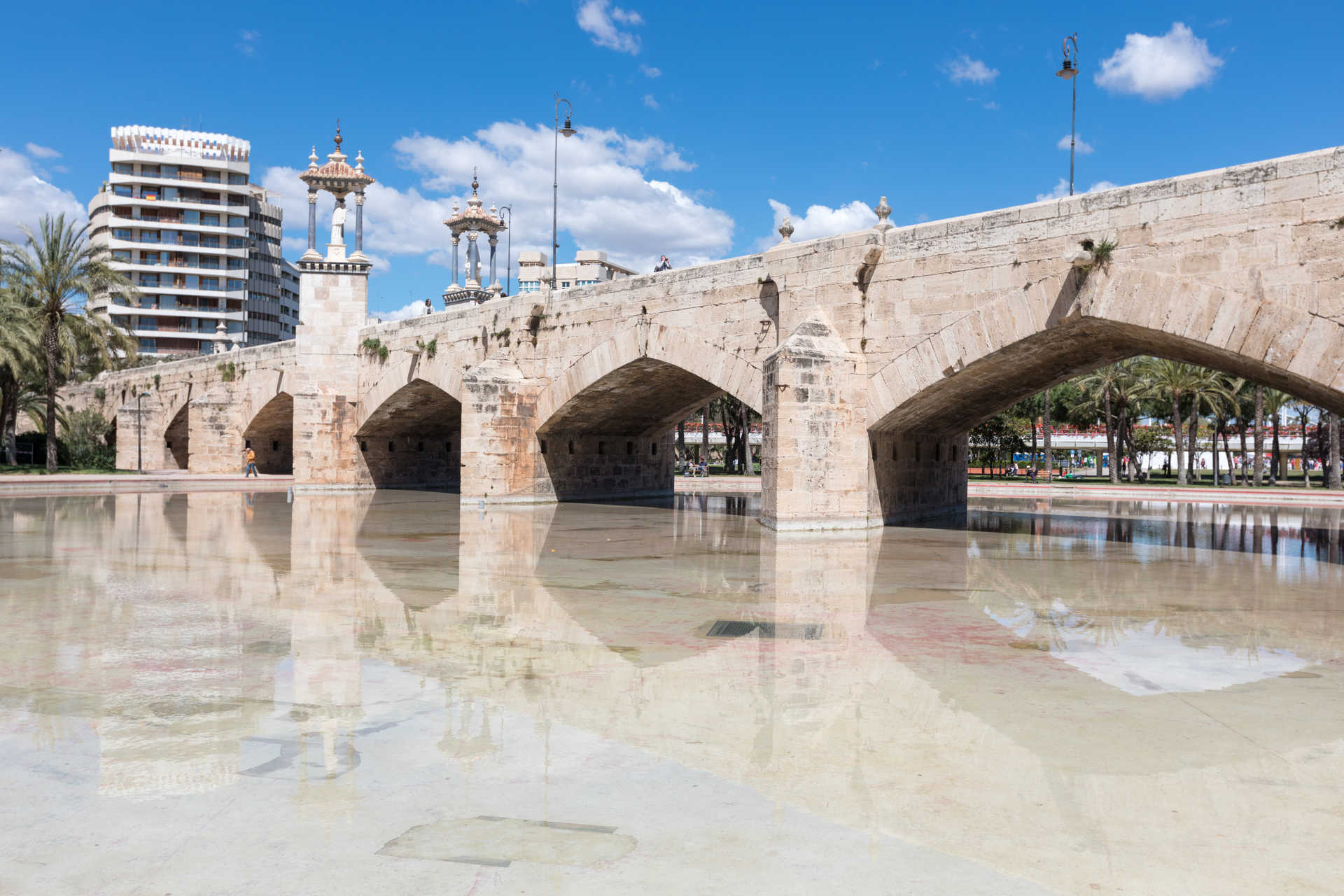 The bridges of the river Turia