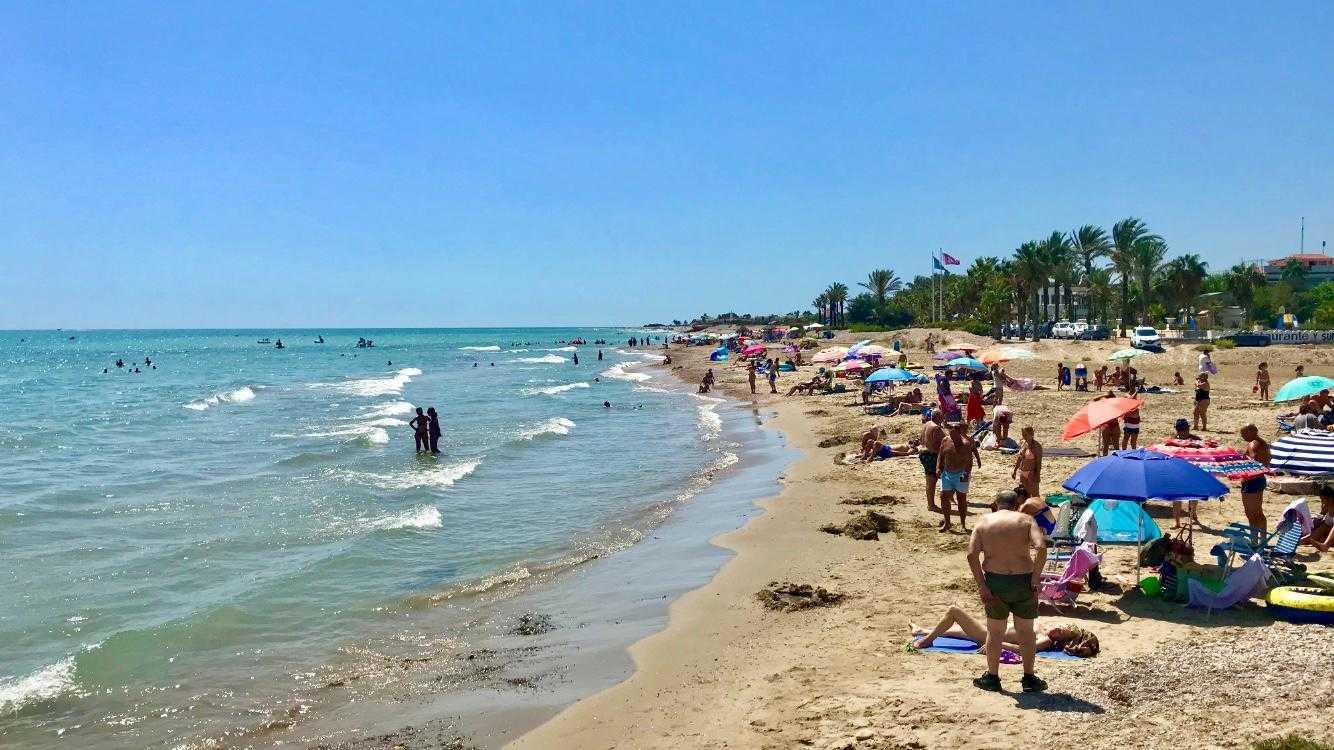 Manyetes Beach