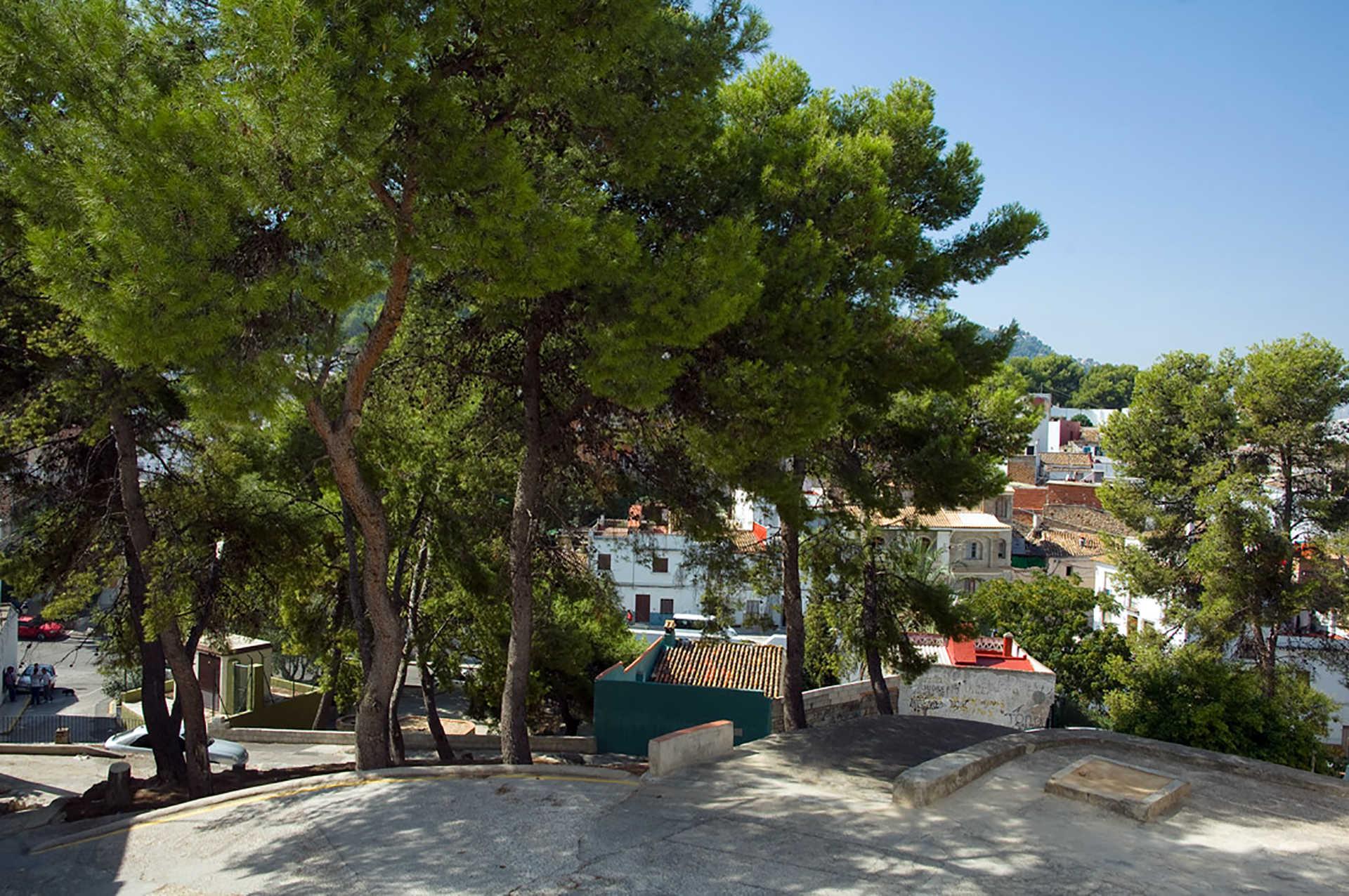 Vista Hermosa Square