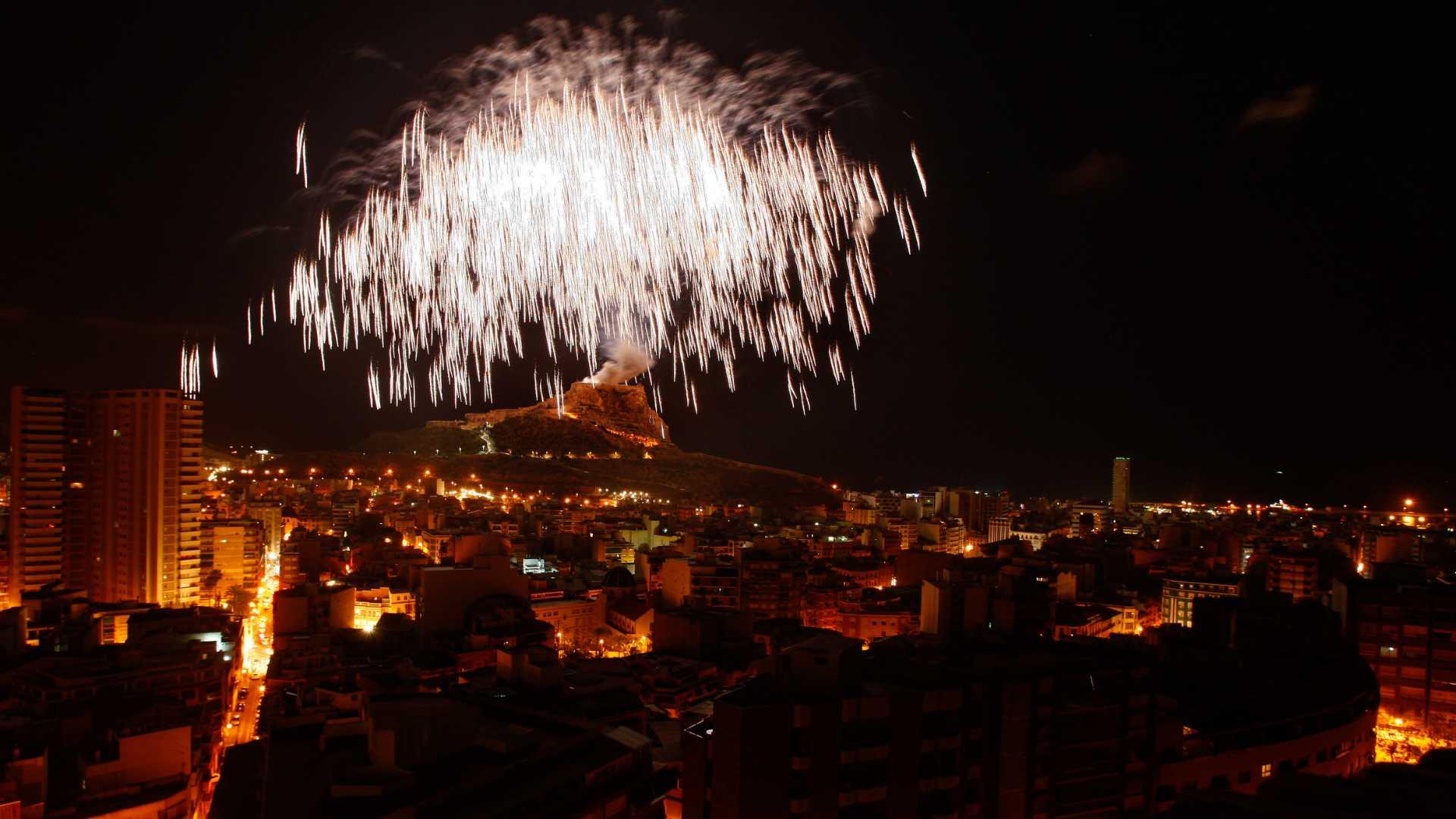 Fogueres d'Alacant: actos y exposiciones 2021