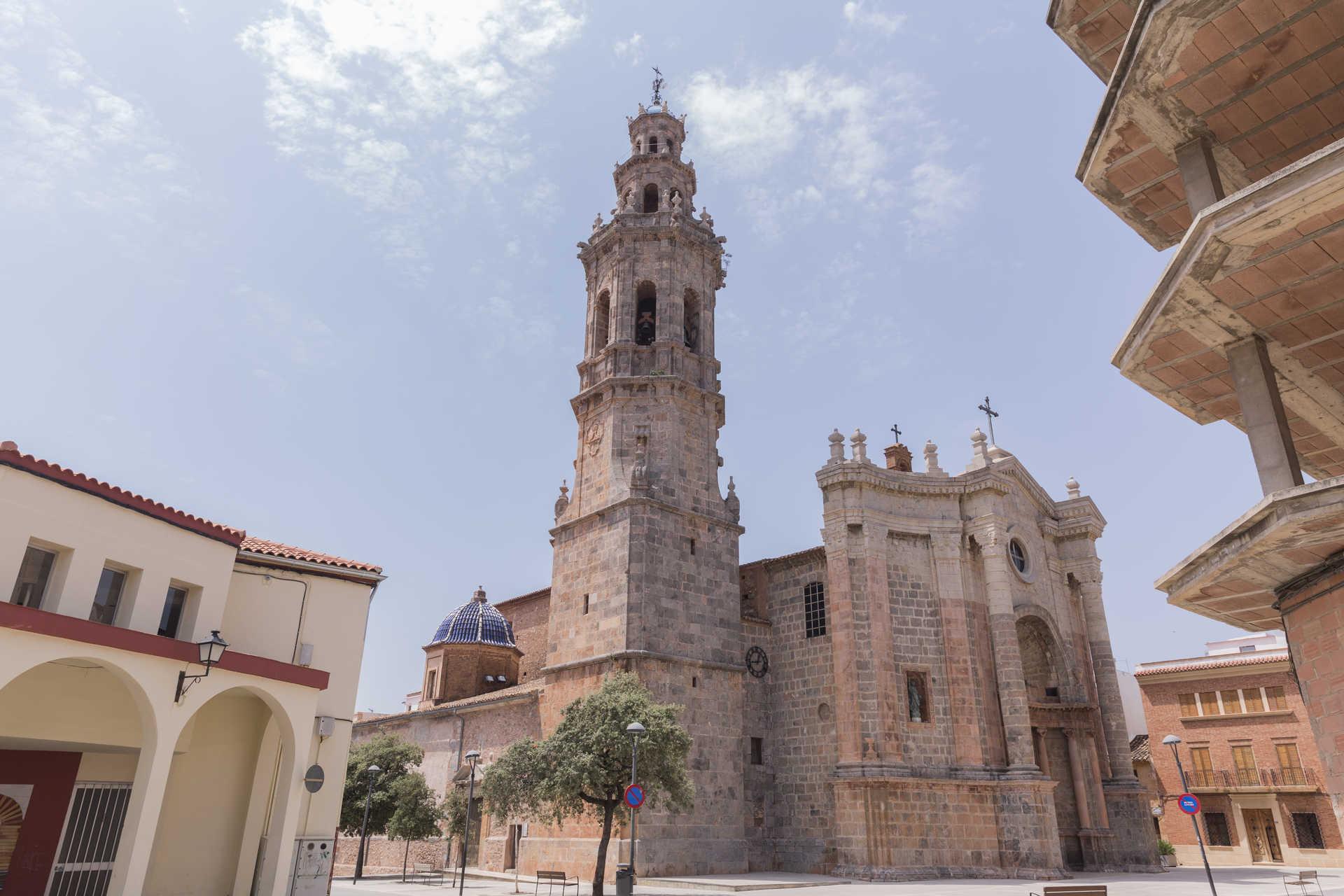 https://multimedia.comunitatvalenciana.com/8C813950E1E04293AC2280E2028F1DDD/img/4BF0BB42BE9A40DC8C9F24056631C300/Iglesia_Nuestra_Senora_de_la_Asuncion717-358.jpg?responsive