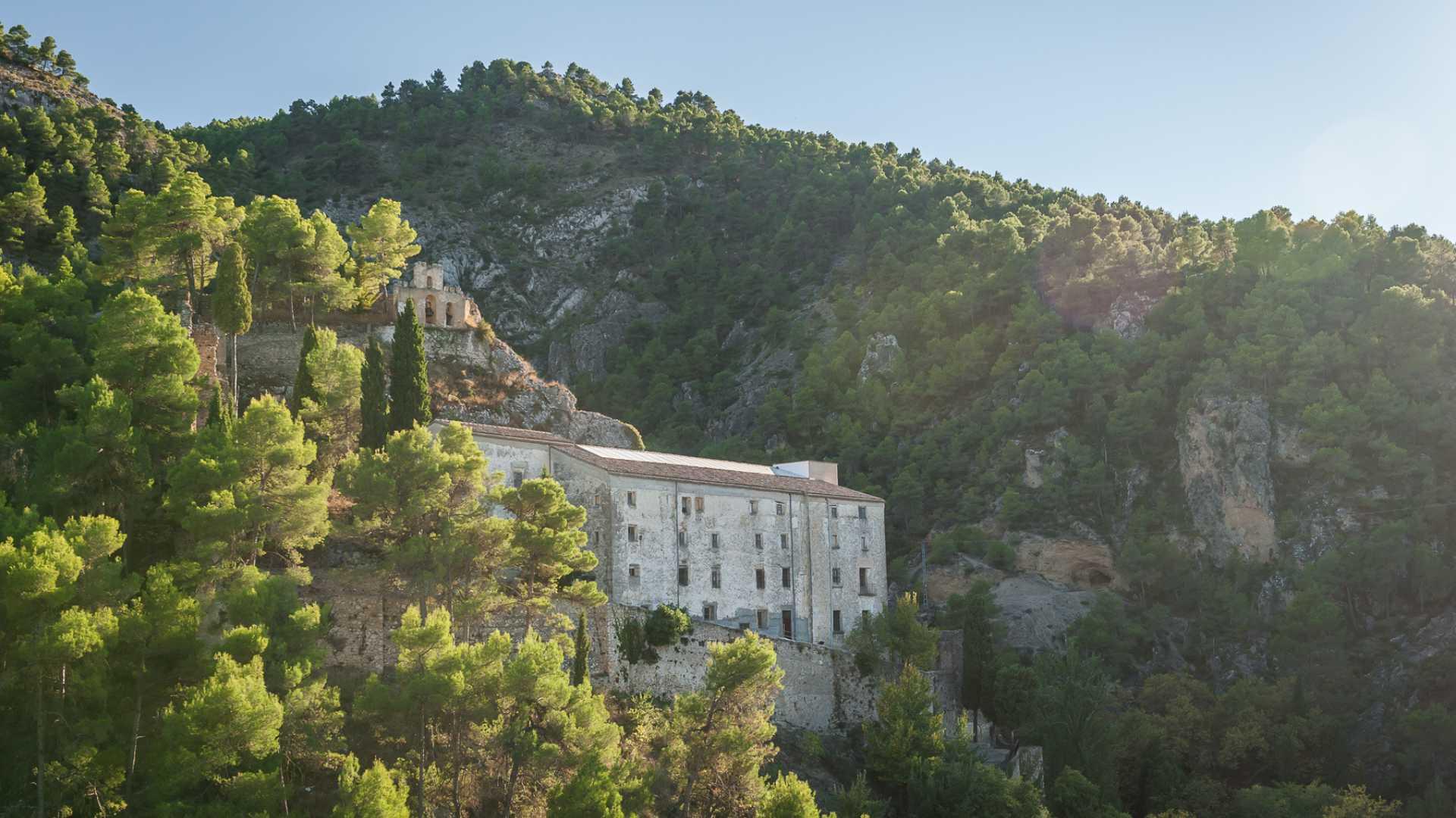 Rutas guiadas por Agres y visita al santuario de la Mare de Déu d'Agres