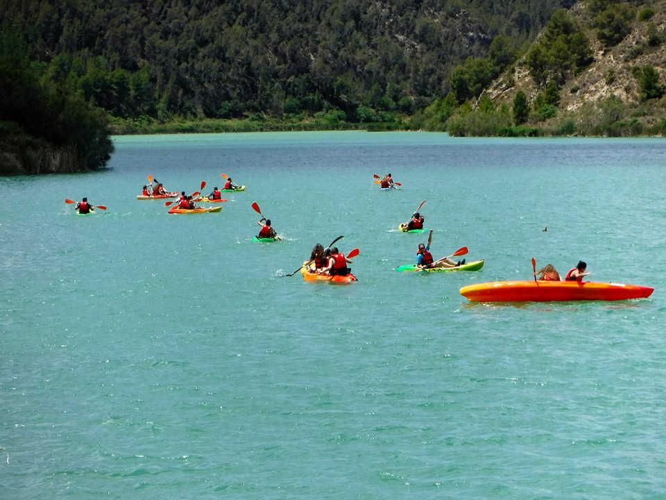 https://multimedia.comunitatvalenciana.com/95684CDD9E5942EC9D7A06000A8EF288/img/DF06B12809744D718ECC614EEC84CEA1/kayak-en-aguas-tranquilas.jpg?responsive