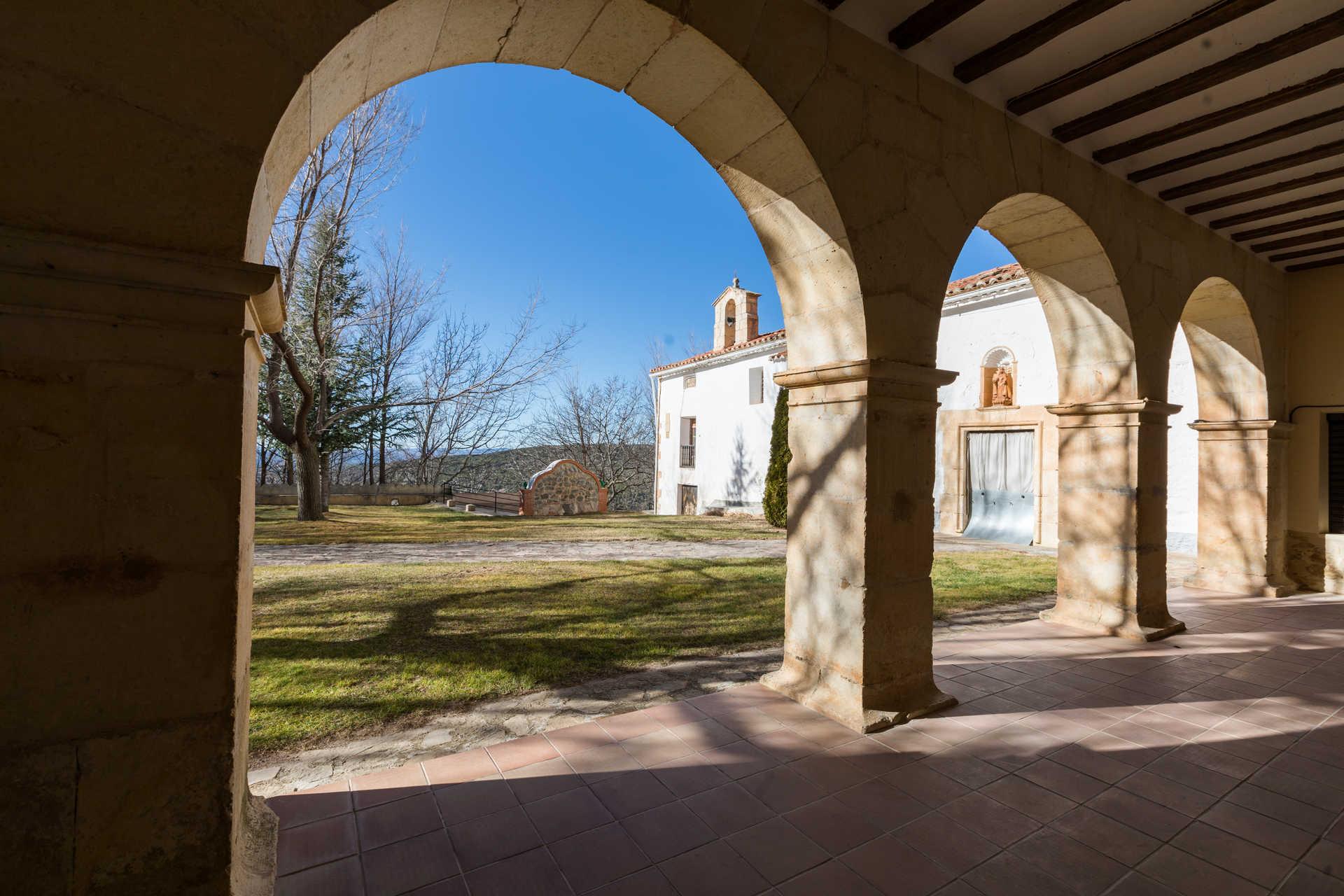 https://multimedia.comunitatvalenciana.com/9AFBC175DDCD4FACBCB42FAD936ED578/img/FFB31E76D5BE4AF28646799A0C554BBE/Ermita_Santa_Catalina_7H9A0943.jpg?responsive