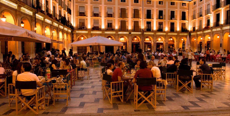 Plaça de Dins or Plaza Mayor