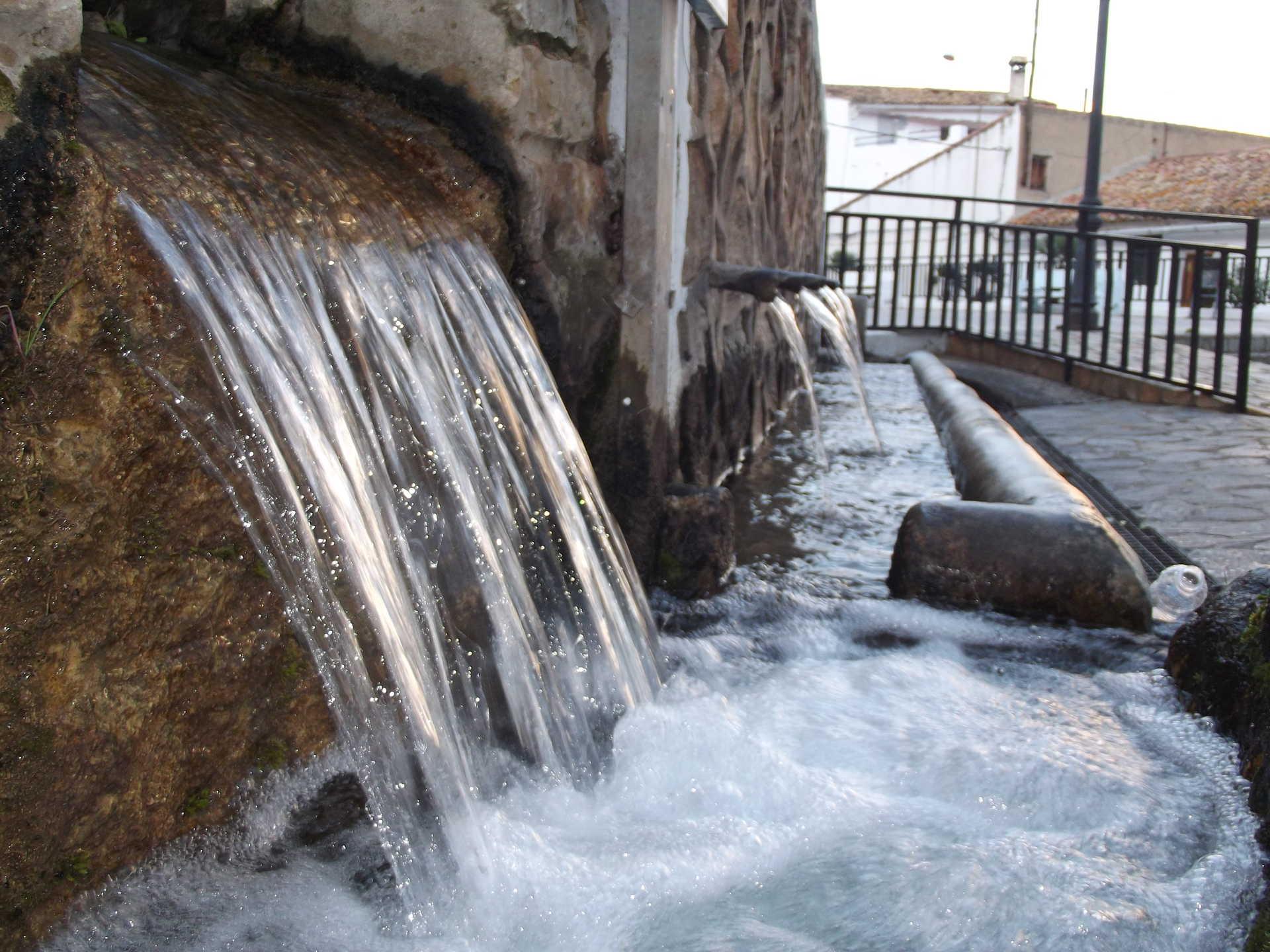 Fuente y balsa del Hinchidor