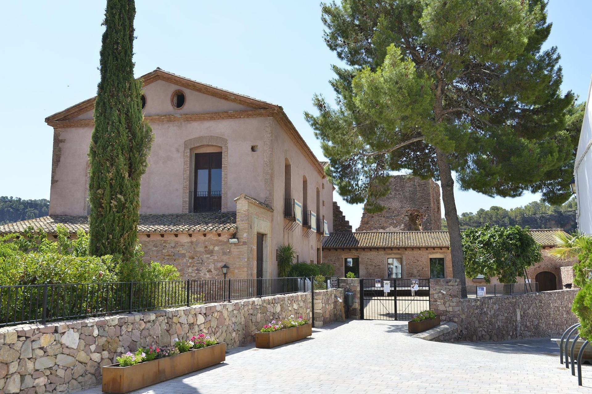 Casa de la Senyoria i Torre de Pardines