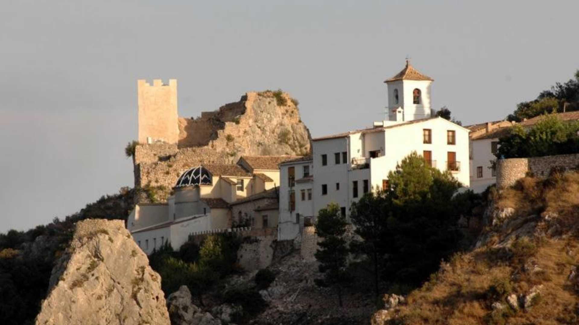 hotel cases noves castell de guadalest