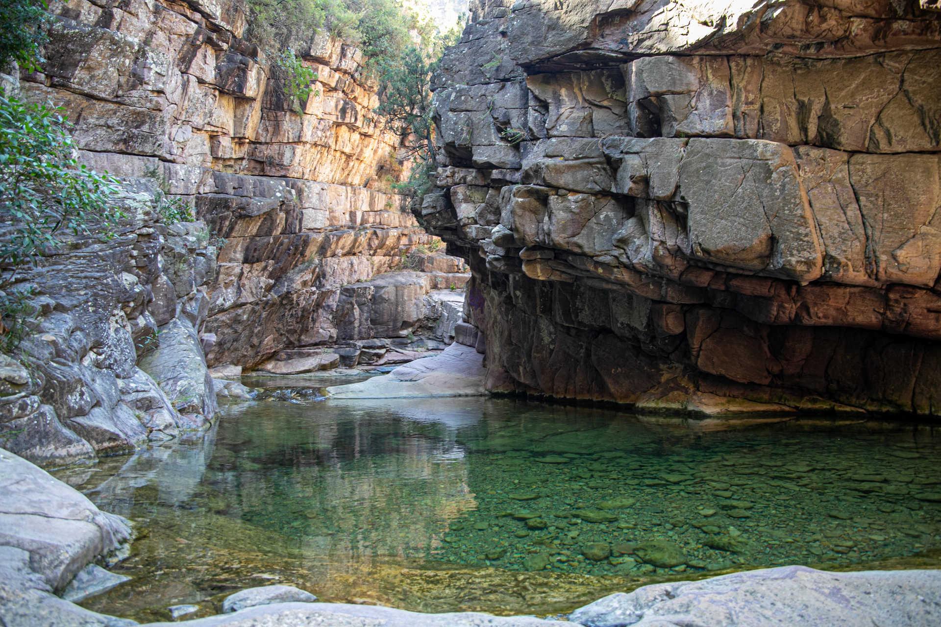 Clots d'aigua del barranc de les Salines