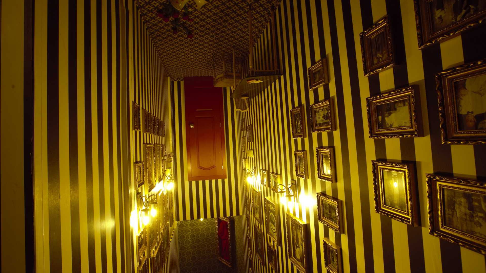 Magic Museum by Yunke