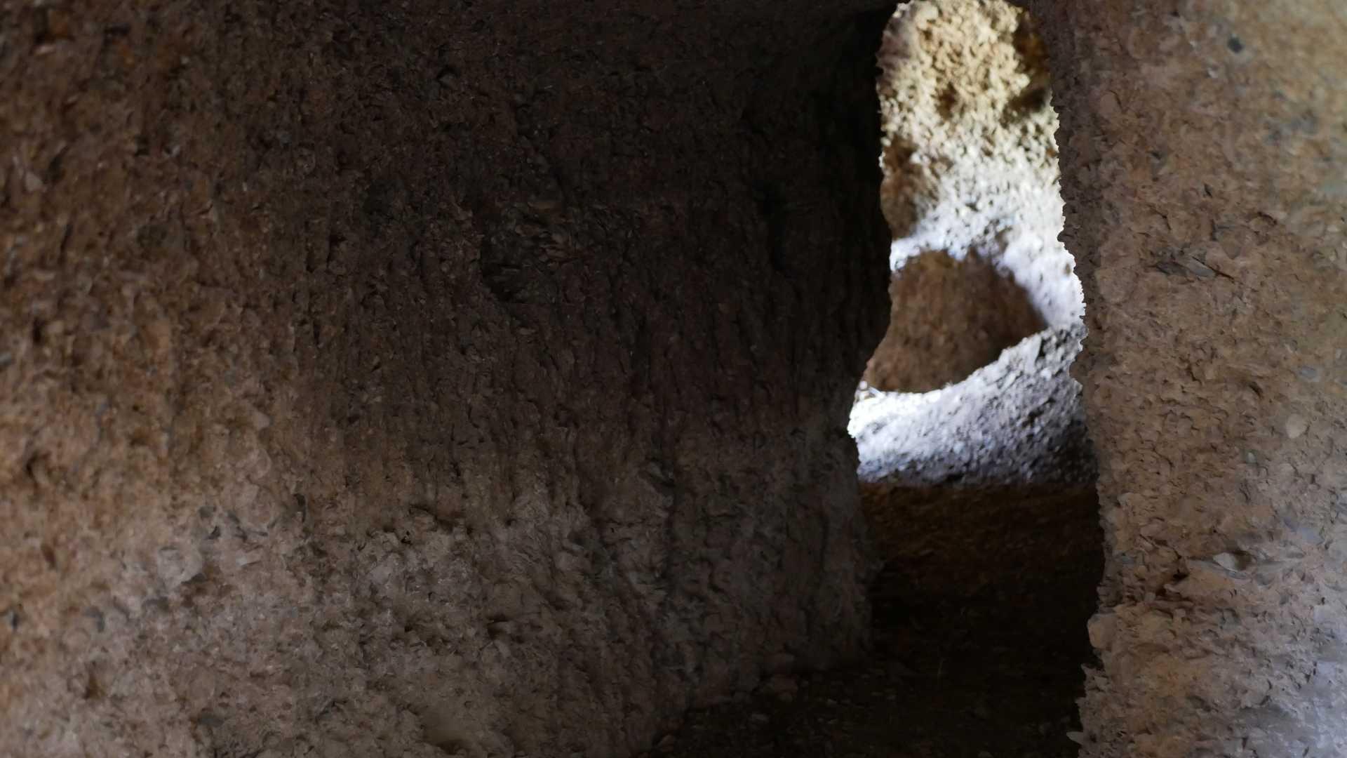 Führungen durch die Zufluchtshöhlen von Osset