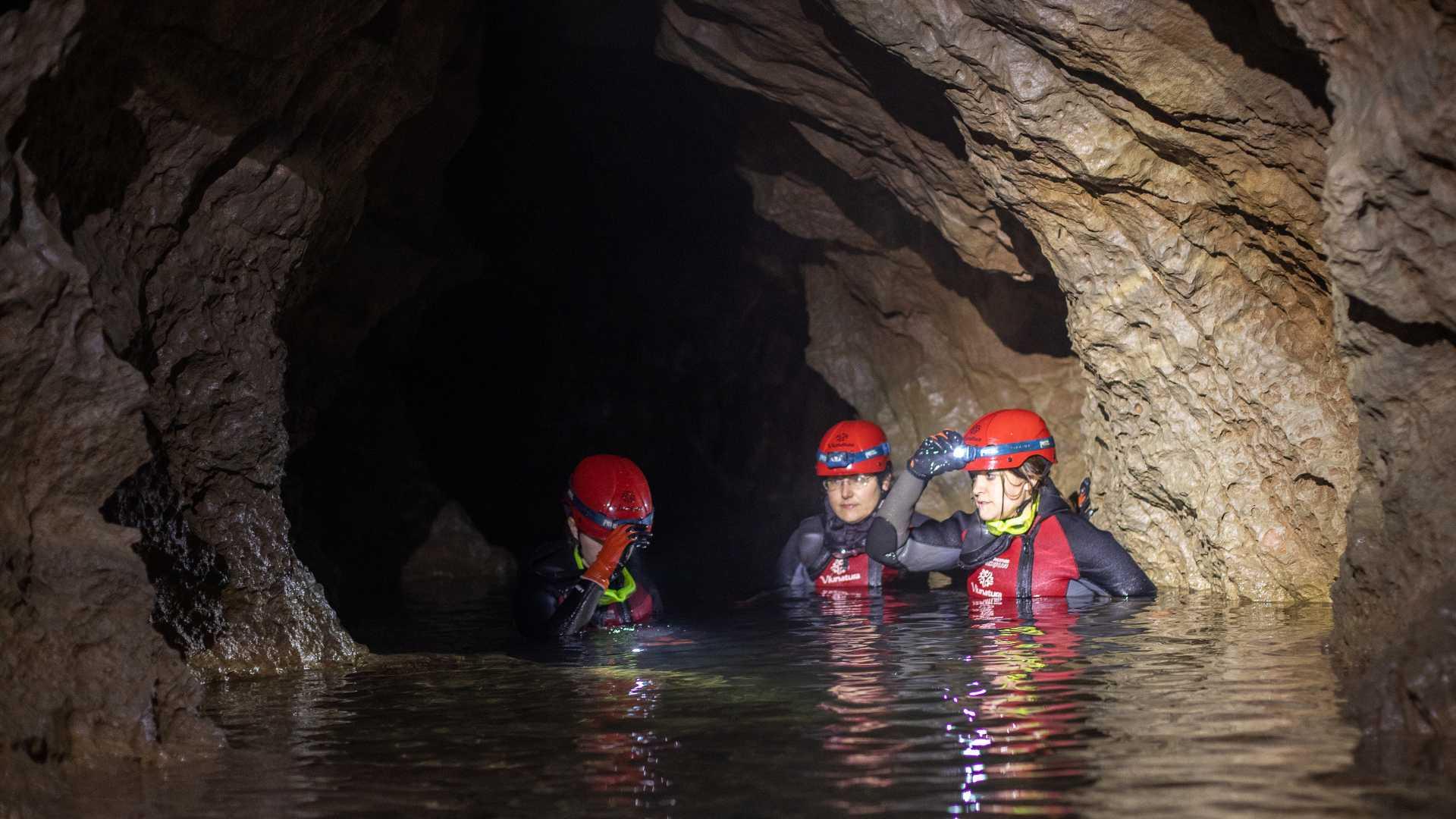 Espeleologia Aquàtica (Water caving)